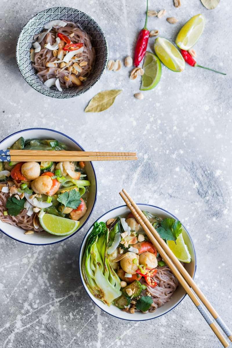 Curry verde di capesante e bok choy
