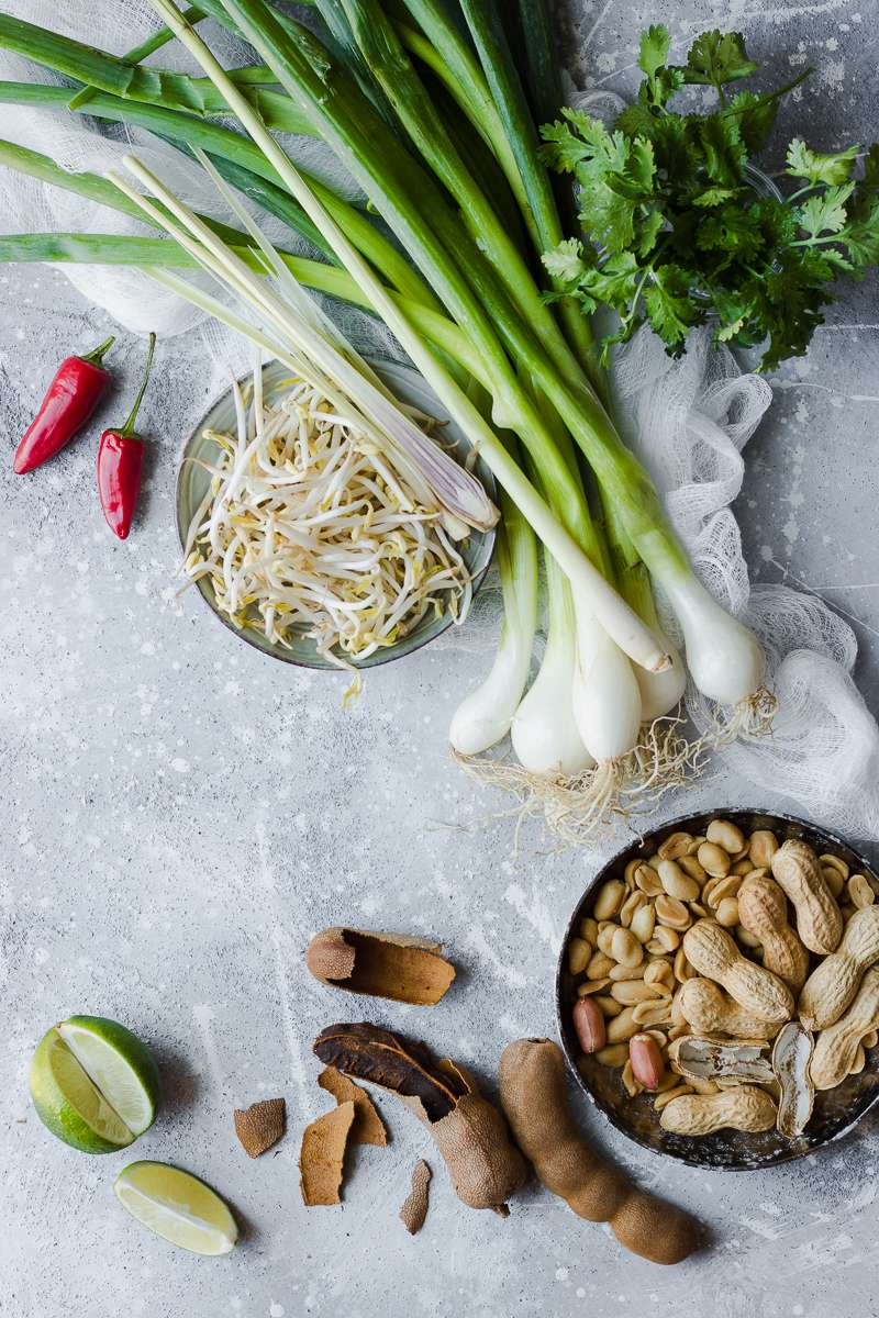 Ingredienti per il pad thai low carb di zucchine